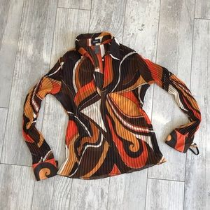Mexx 70s and Emilio Pucci inspired pleated blouse